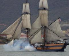 SHIP AND CANNON - PDPHOTO