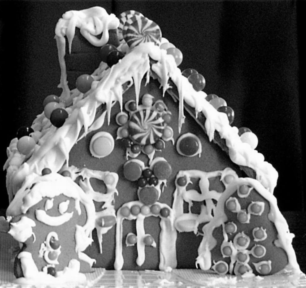 BLACK & WHITE GINGERBREAD HOUSE
