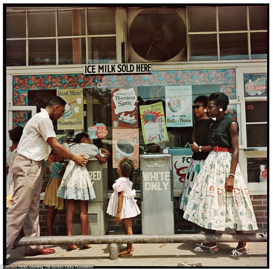 DRINKING FOUNTAINS - GORDON PARKS