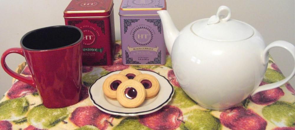 cropped-tea-cookies-on-apple-cloth-cropped.jpg