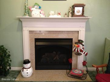 BRENDA'S SNOWMAN AT FIREPLACE w. credits