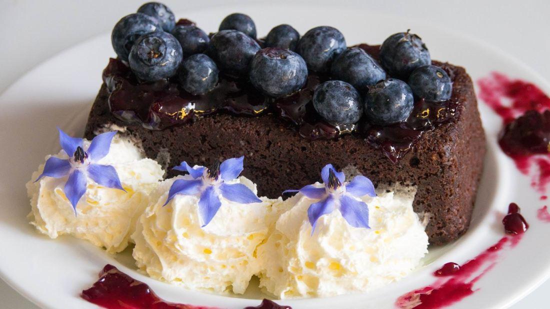 BLUEBERRY CAKE - PIXABAY - Monikabaechler