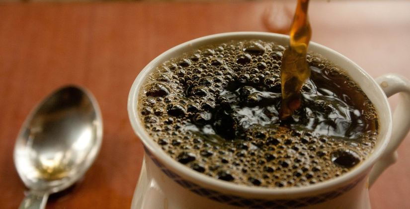 COFFEE BEING POURED W. SPOON - PDPics -- PX