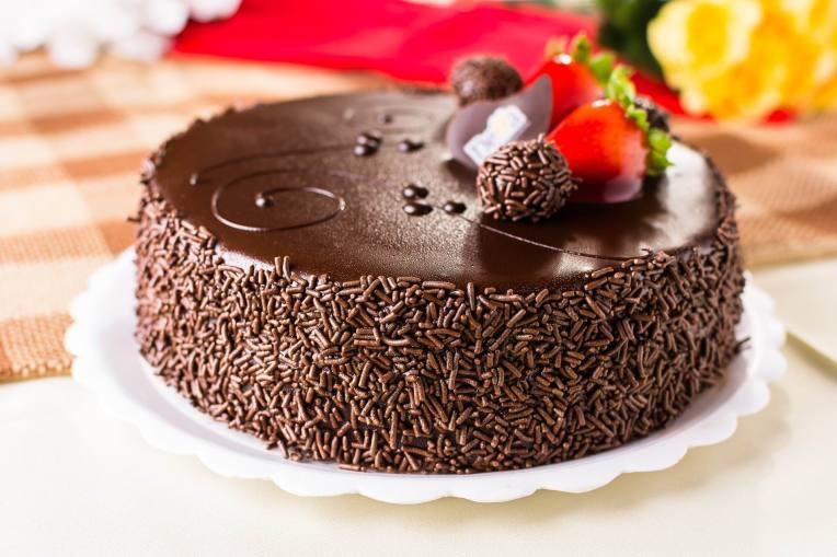 CHOCOLATE CAKE W. STRAWBERRY - leoalenkar - PX