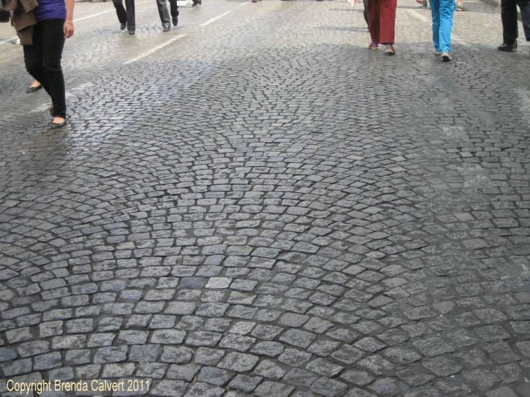 PARIS STREET TRICK SAVE