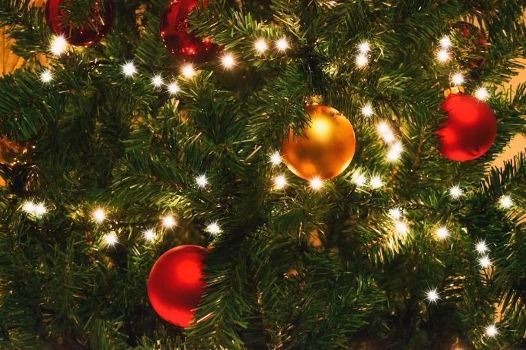 CHRISTMAS TREE DECORATED -- Greekfood-tamystika - PX